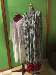 Simplicity Pattern 6857 Misses' Caftan with options for design hacking